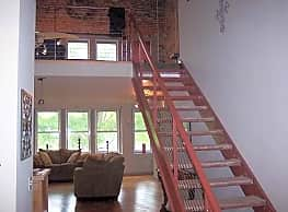 DK Enterprise Luxury Lofts - Fayetteville