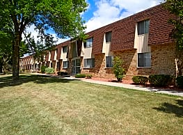 Southwood Apartments - Appleton