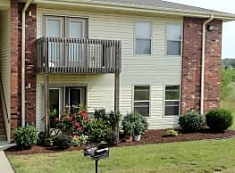 Ozark Mountain Apartments - Ozark