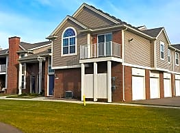 Ashford Apartments w/ Garages - Shelby Township