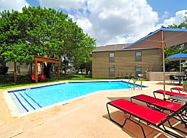 Country Villa Apartments - Castroville