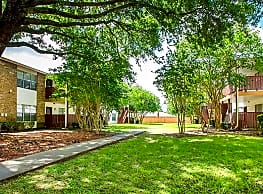 Steeplechase Apartment Homes - Lafayette