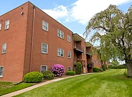 Corliss Apartments - Phillipsburg