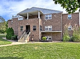 Laura Acres Apartments - Harrisburg