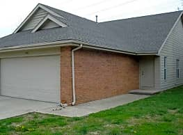 SDC Duplexes and Apts. - Springfield