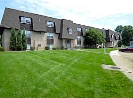 Deer Creek Apartments - Austintown