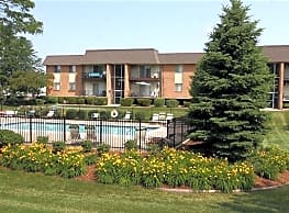 Riverland Woods Apartments - Sterling Heights