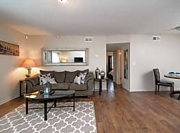Augusta Road Apartments - Greenville