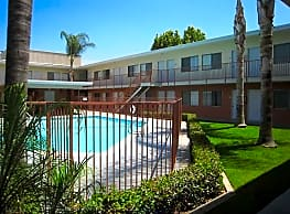 Mission Suites Apartments - Pomona