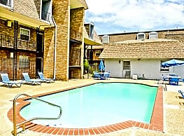 Belle Oak Apartments - Metairie