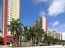 Intracoastal Yacht Club - Sunny Isles