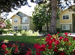 Commons At Hawthorn Village - Hillsboro