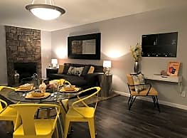Loretto Heights Apartments - Denver