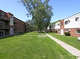 Queensdale Apartments - Mentor
