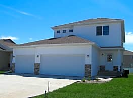 Homes on justice drive apartments fargo nd 58104 for Home builders fargo nd