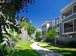 Summer House Apartments - Alameda