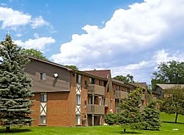 Meadowbrook Village Apartments - Auburn Hills
