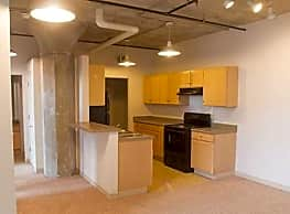 Crescent Loft Apartments - Davenport