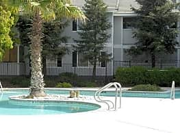 Willowbrook Apartments - Merced