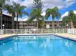 Sunset Club Apartments - South Miami