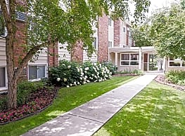 Lucia Lane Apartments - Fridley