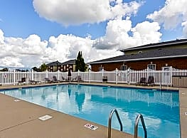 Towne Park Apartments - Troy