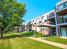Robinwood Apartments - Coon Rapids