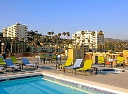 Sutton Place Apartments - Hollywood