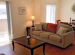 Spring River Apartments - Roswell