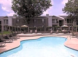 Oakleigh Apartments - Baton Rouge