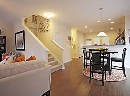 Durham Park Townhomes - Pooler