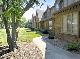 Mossing Apartments and Townhomes - Toledo