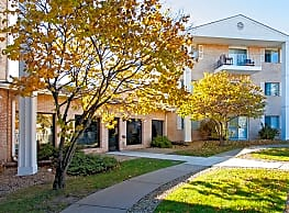 Carrington Court Apartments - Burnsville