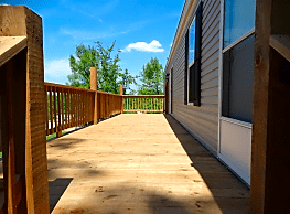 3 bedroom, 2 bath home available - Independence