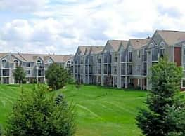 Foxwood Apartments & The Hermitage Townhomes - Portage