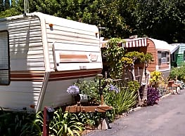 St. Andrew Place Trailer Park - Santa Ana