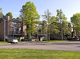 Waterford Village Apartments - Knoxville