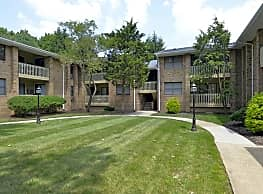 Colony Oaks Apartments - North Brunswick