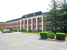 Summit House Apartments - West Orange