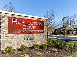 Reflection Cove Apartments - Ballwin