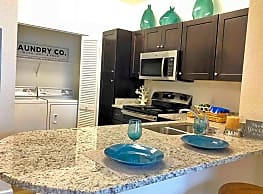 700 Acqua Luxury Apartments - Newport News