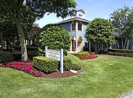Country Club Manor Apartments - Williamsville