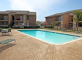 Carriage House Apartments - Nederland