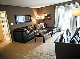 Country Squire Apartments - Clinton Township