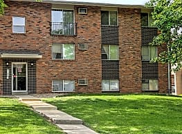 Fairway Apartments - Bloomington