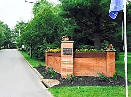 Monticello Apartments & Townhomes - Liberty Township