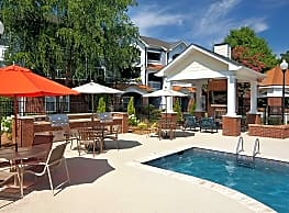 Bexley Commons At Rosedale - Huntersville
