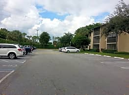 2/2 Condo in Charter Club of Palm Beach - Greenacres