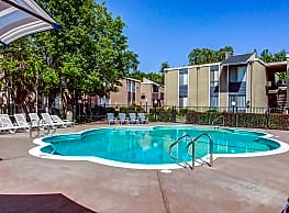 Creekside Apartments - Sacramento