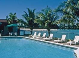 Lake Villa Apartments - Hallandale Beach